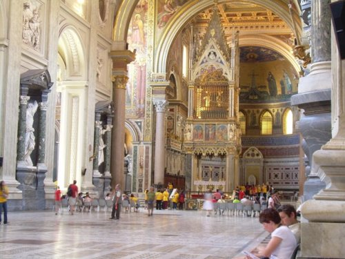 Cathedral S. Giovanni in Laterano is very impressive from inside