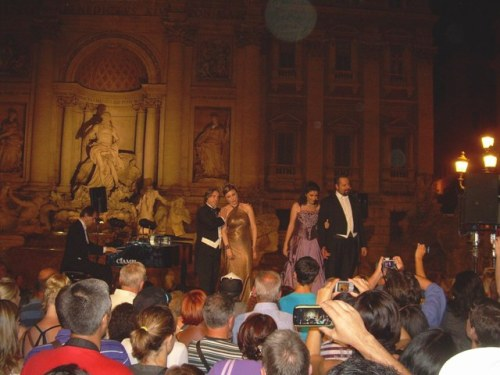 Opera singers at Trevi Fountain, Rome